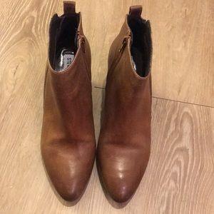 Steve Madden Jaydun Brown Ankle Booties